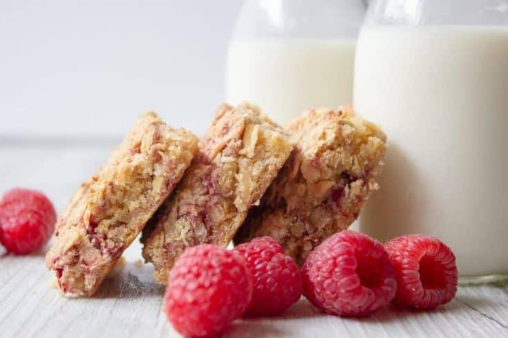 Apple & Raspberry Breakfast Oat Slice