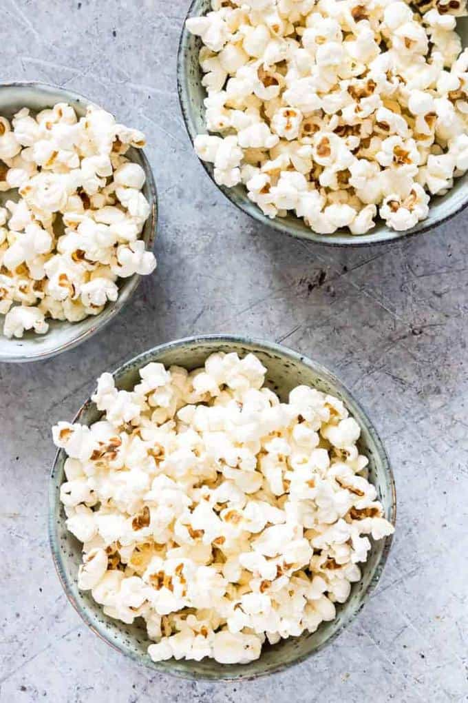 Pot Popcorns with Coconut Oil and Salt