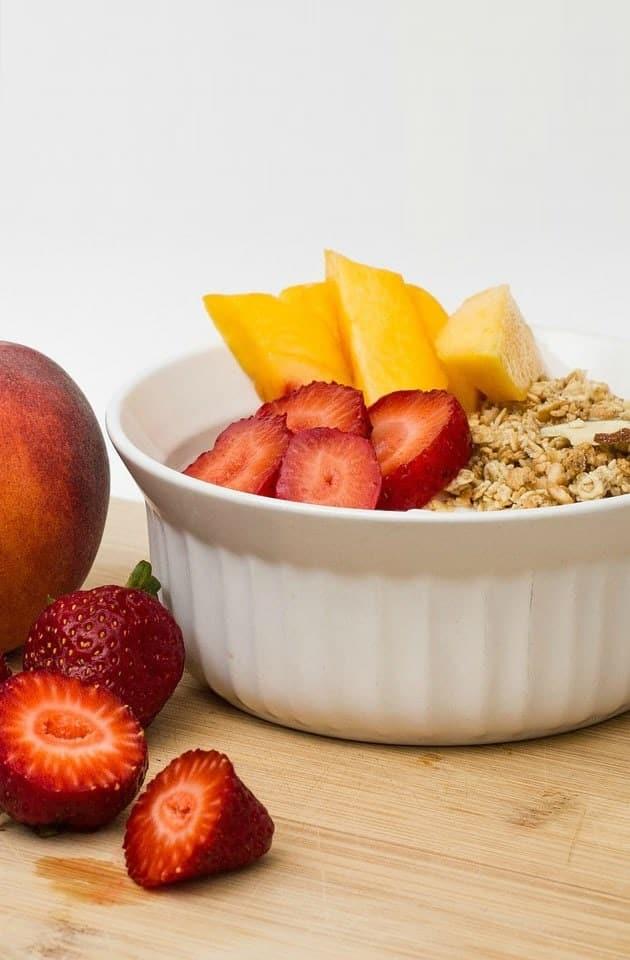 Peach breakfast parfait